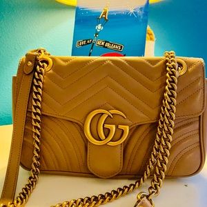 ... AUTHENTIC Gucci Marmont Small Leather Bag ... 4dc0427cc